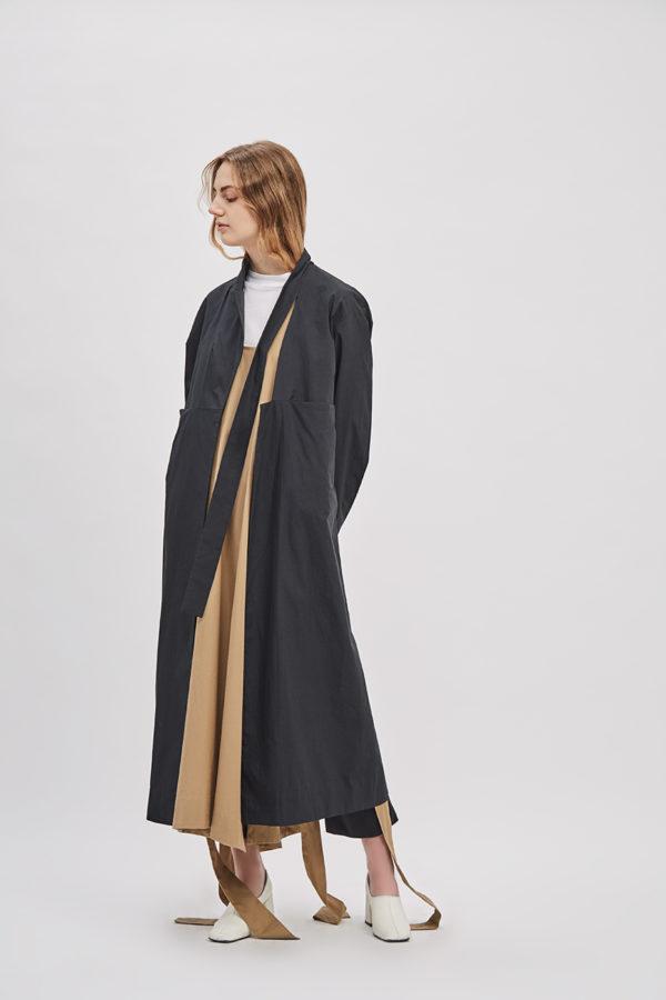 asymmetrical-overcoat-trench-black-coat-de-smet-made-in-new-york-2