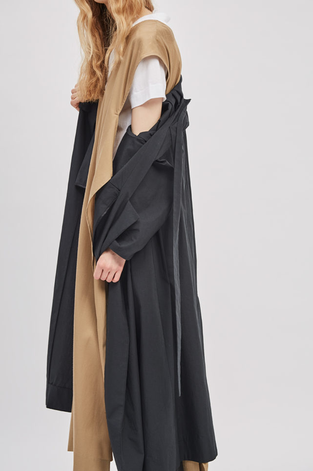 asymmetrical-overcoat-trench-black-coat-de-smet-made-in-new-york-3