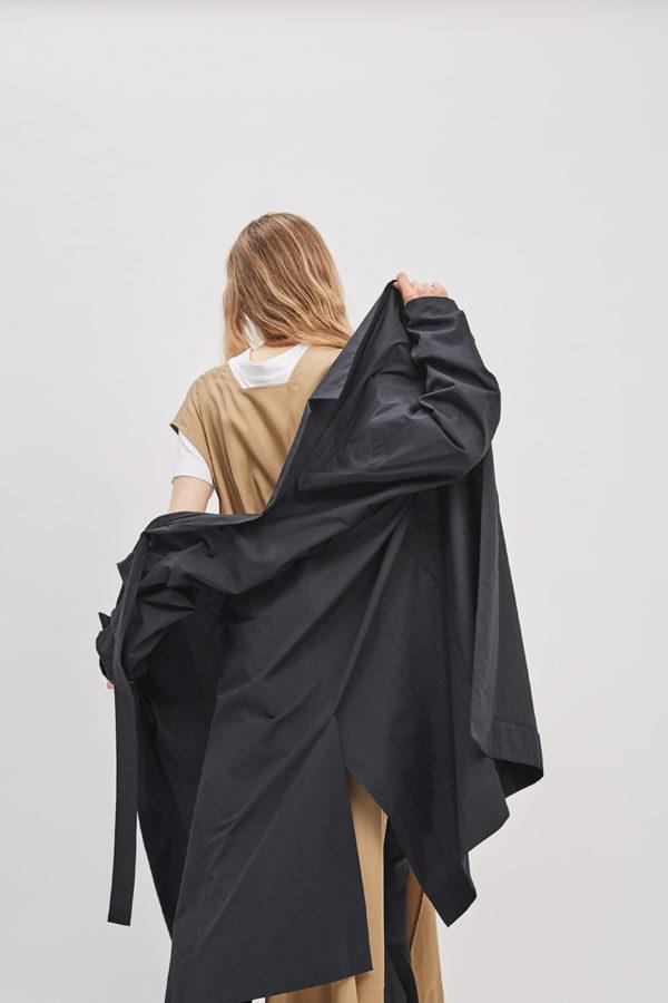asymmetrical-overcoat-trench-black-coat-de-smet-made-in-new-york-4