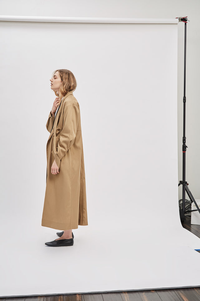 asymmetrical-overcoat-trench-bosc-camel-coat-de-smet-made-in-new-york-10