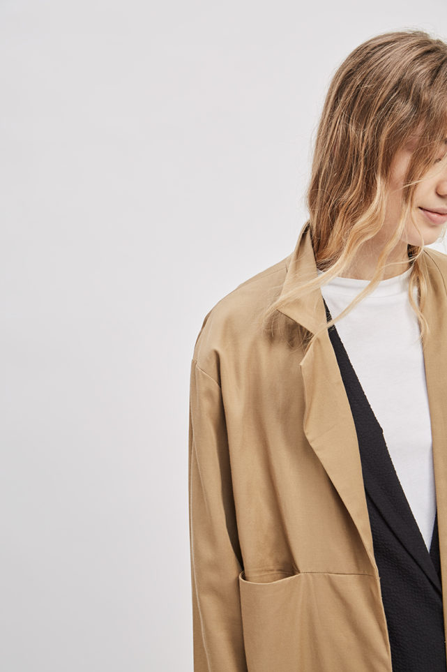 asymmetrical-overcoat-trench-bosc-camel-coat-de-smet-made-in-new-york-5