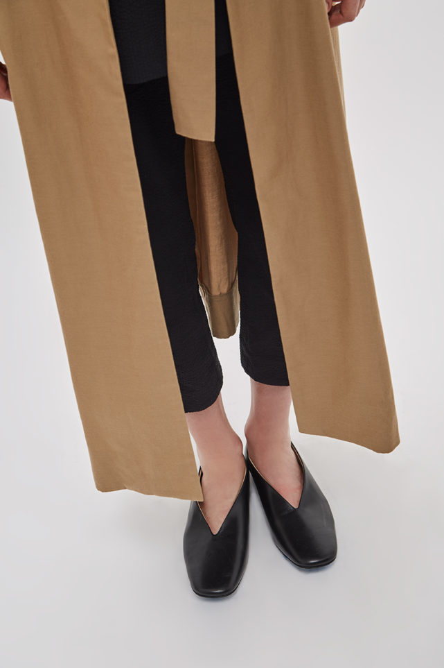 asymmetrical-overcoat-trench-bosc-camel-coat-de-smet-made-in-new-york-7