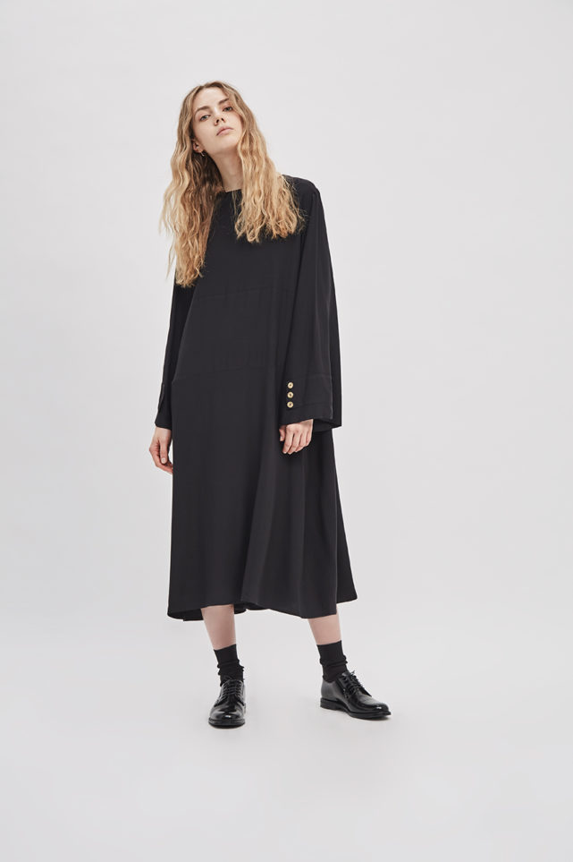 button-up-convertible-dress-poppyseed-black-dress-de-smet-made-in-new-york-2