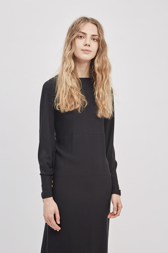 button-up-convertible-dress-poppyseed-black-dress-de-smet-made-in-new-york-6