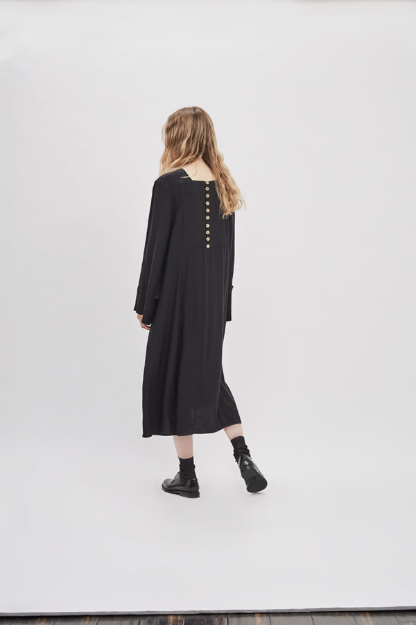 button-up-convertible-dress-poppyseed-black-dress-de-smet-made-in-new-york-7
