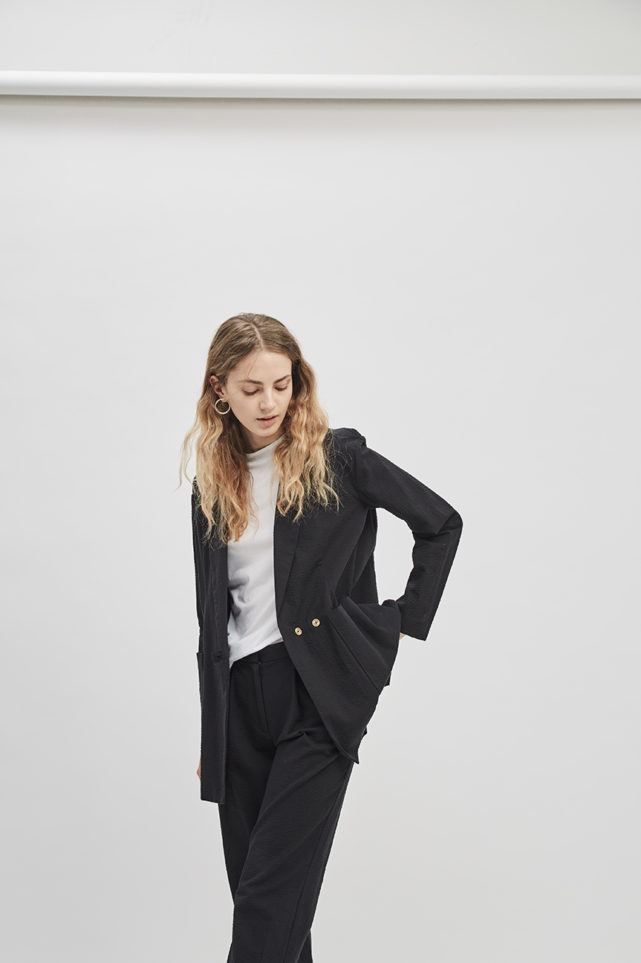 boxy-blazer-seersucker-black-de-smet-made-in-new-york