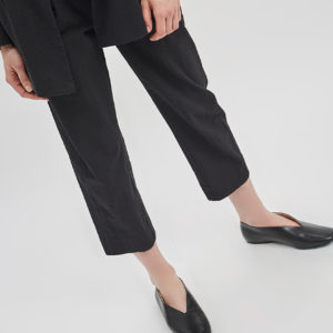 dart-detail-trouser-seersucker-black-de-smet-made-in-new-york